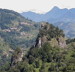 Tzahtzitipetl: Echo Mountain
