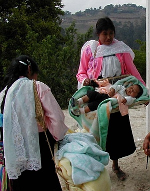 Women with a baby in a uahcal